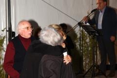 Enio Mancini e l'abbraccio tra Pamela Villoresi e Adele Pardini