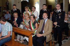 In chiesa. Il primo a destra è Marco De Paolis